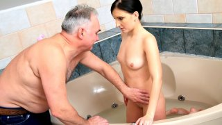 Teen Bath Time - Teen Mega World