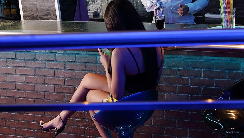Upset Girl Cheats With a Bartender - Teen Mega World