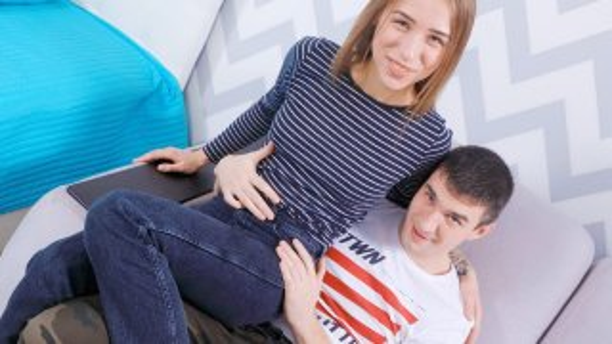Couple fills love nest with lust - Teen Mega World